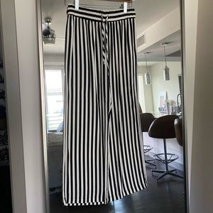 Reformation Weekend Pant, Size M Perfect Condition